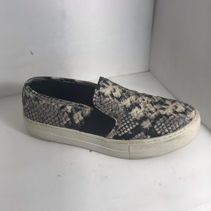 SINGLE *RIGHT* Steve Madden shoe for Amputee